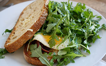 Sandwich with arugula