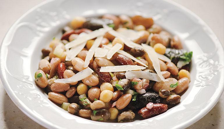 A bowl of legumes.