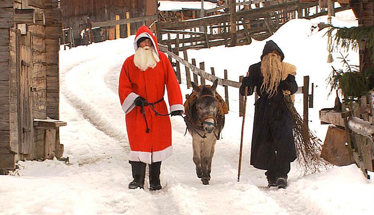 Sami Claus and Smoochie.