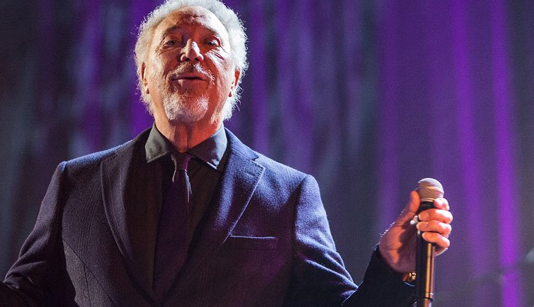 Tom Jones performing.