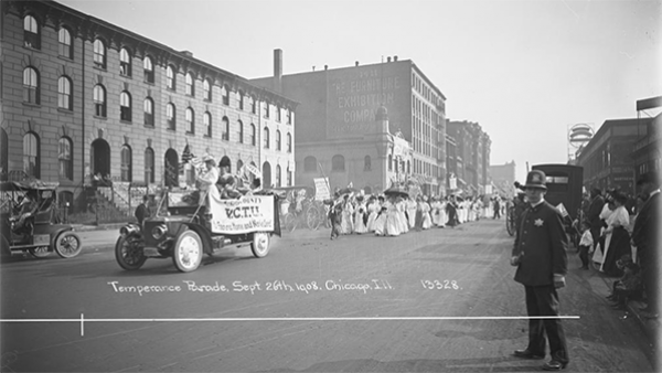 A dry parade organized by the Women's Christian Temperance Union in Chicago in 1908. Photo: Charles R. Childs, Chicago Historical Society