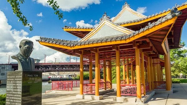 Ping Tom Memorial Park, named for a local business leader, sits along the Chicago River in Chinatown. Photo: Alan Brunettin / WTTW