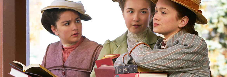 Amariah Faulkner as Jane Andrews, Zoe Fraser as Ruby Gillis, Ella Ballentine as Anne Shirley.